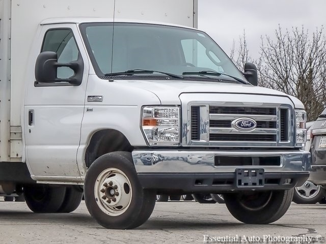 Pre-Owned 2016 Ford E-Series Chassis E-350 SD